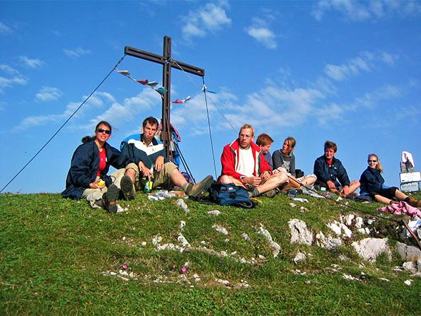 Wanderung mit Berggipfel am Sonnenhof am Weissensee in Kärnten Urlaub am Bauernhof